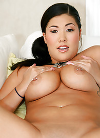 London Keyes Photo 10
