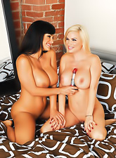 Smoking hot busty blonde Diamond Foxxx and Lisa Ann have amazing passionate sex.