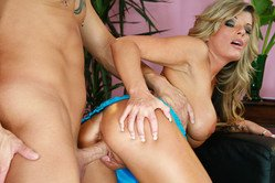 Kristal Summers spreads her long hot legs and gets her pussy hammered hard and fast
