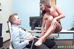 Brown haired XXX temptress seduces a porn dude and gets her twat nailed properly. What a scene!