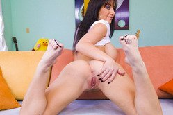 Jayden Jaymes spreads her legs and blows her lover's throbbing fat meat pole.